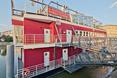 barka Tumska. Nietypową realizacją, gdzie użyto system NIDA Hydro jest barka przycumowana pod hotelem Tumskim we Wrocławiu