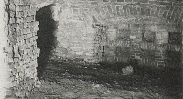 Podziemne miasto - piwnice i tunele